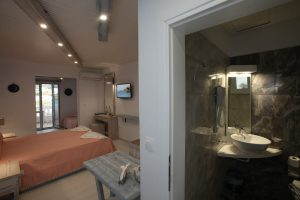 Studios-in-Andros